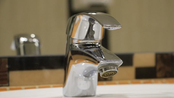 Более пяти тысяч архангелогородцев остались без холодной воды до вечера