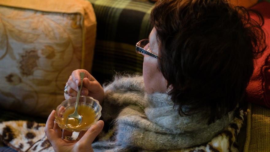 Мёд: инструкция по употреблению. Как правильно лечить простуду, чтобы не навредить