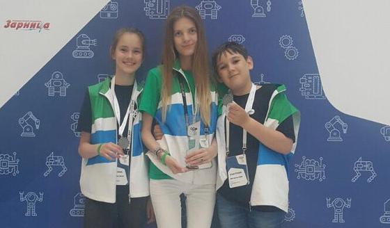Новосибирские школьники собрали робота-энергетика из Lego