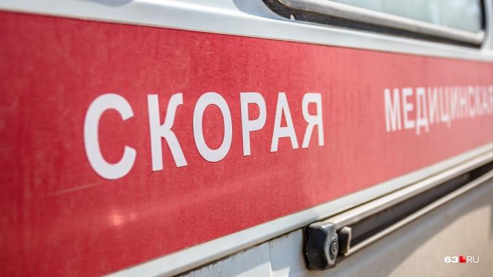 Перебегал в неположенном месте: на трассе под Самарой Lada Vesta насмерть сбила пешехода
