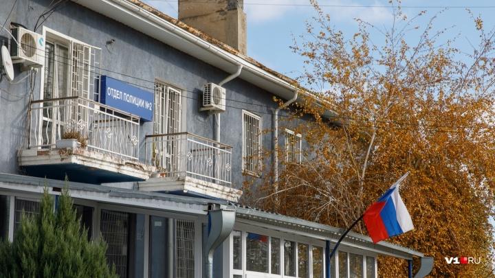 «Мало места для архива»: в Волгограде проверяют мусорки с уголовными делами возле отдела полиции