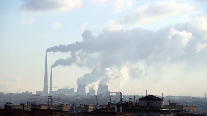 В Омске предприятие выбрасывало в воздух по 2 тонны вредных веществ в год