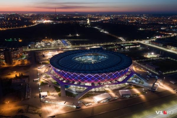 Очередные прекрасные кадры ночного Волгограда в фоторепортаже V1.RU
