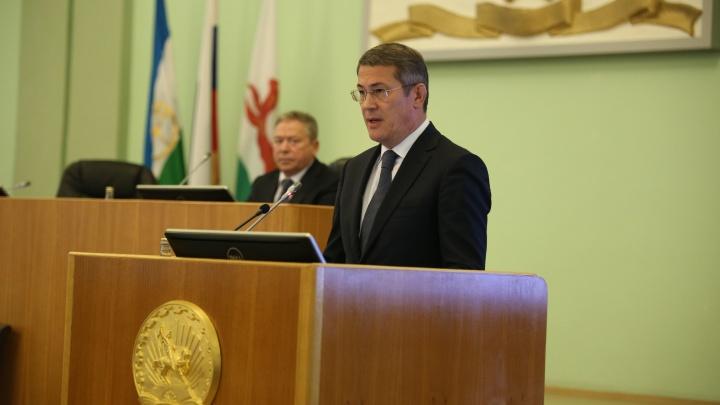 «По дому в валенках гоняю»: несмотря на обещание Хабирова, в квартирах Башкирии все еще холодно
