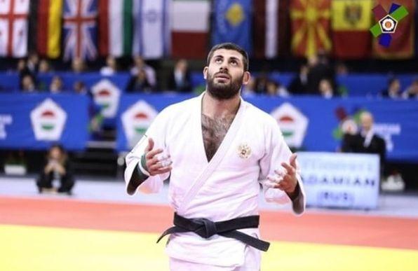 «Коронным удушающим»: волгоградский дзюдоист увез золото чемпионата Европы