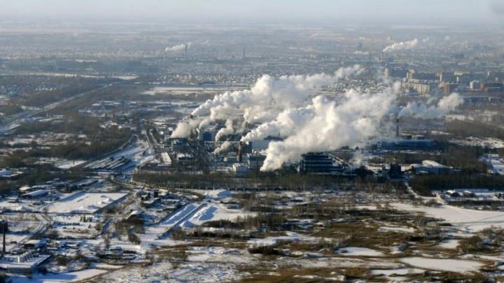 300 метров над уровнем Омска: дымящие трубы заснеженного города