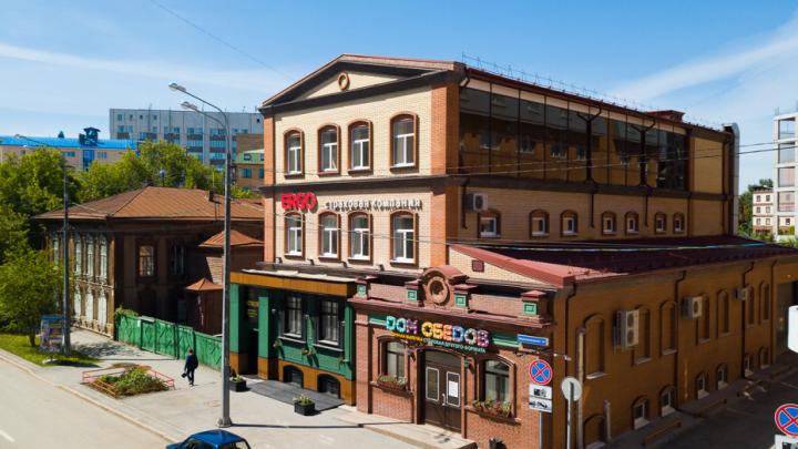 В центре Тюмени за 72 миллиона рублей продают историческое здание, которым владел купец Текутьев