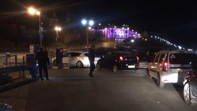 Система дала сбой: десятки водителей попали в плен платной парковки на набережной Туры