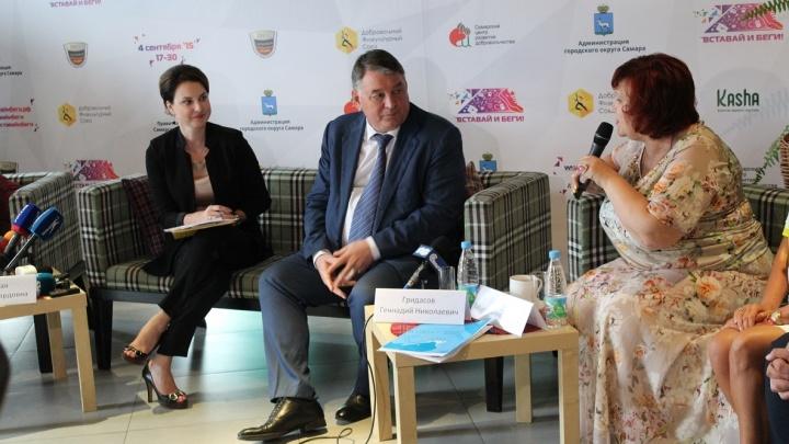Азаров объяснил, почему отправил главу Минздрава Гридасова в отставку