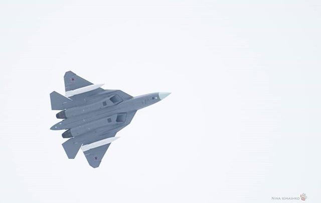 В небе над Новосибирском замечен засекреченный истребитель пятого поколения