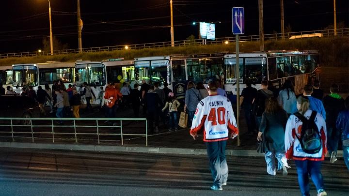 Болельщиков «Авангарда» начнут развозить на автобусах от «Арены Омск»