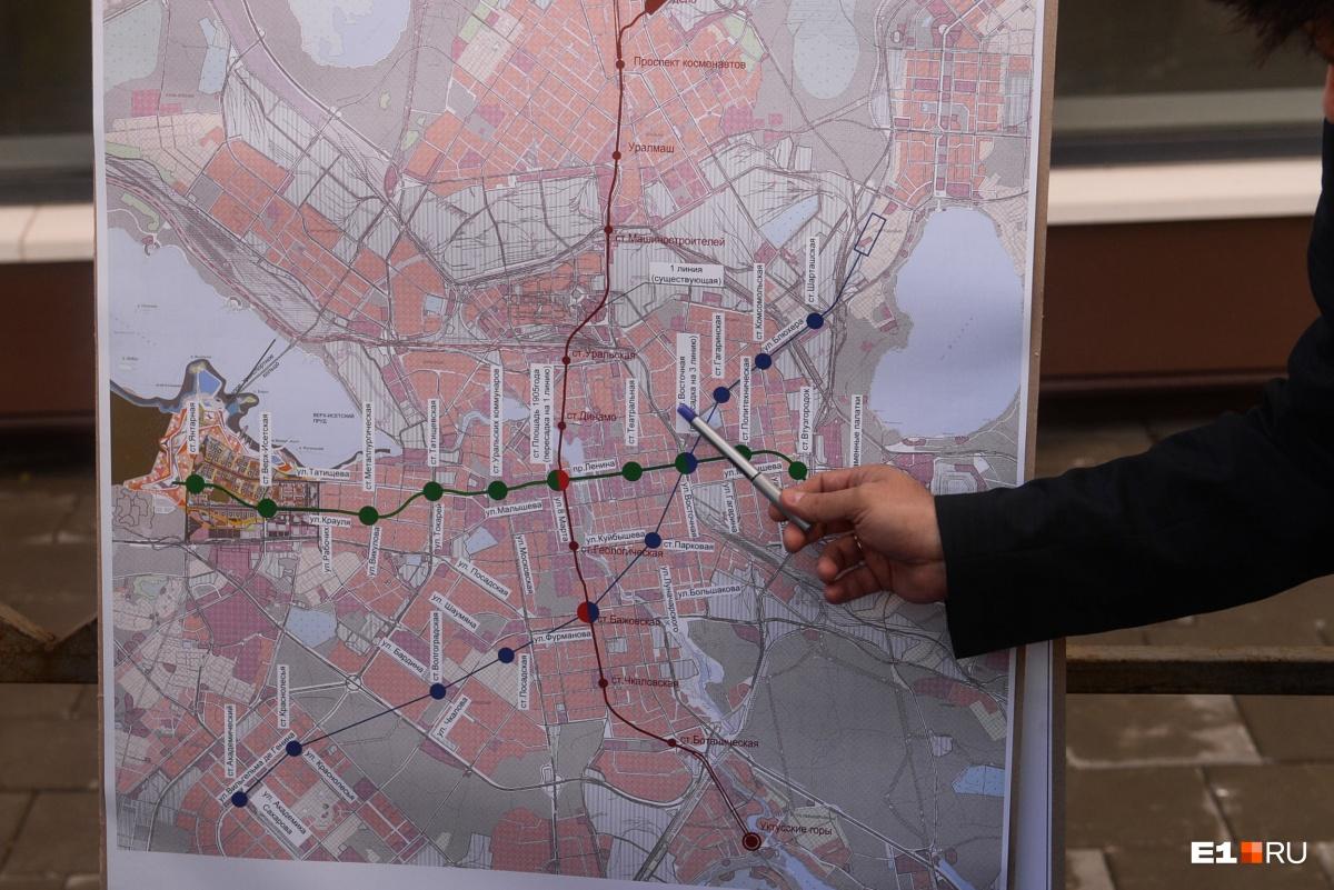 Высокинский показывает, какими будут новые ветки метро