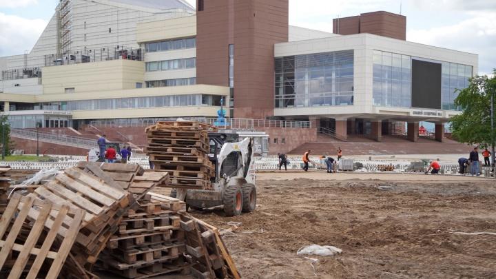 Во что превратилась площадь у БКЗ во время ремонта и когда это закончится: история в 5 фото