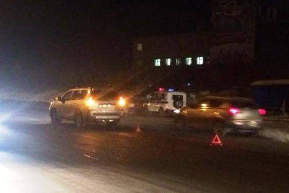 ВодительToyotaLandCruiser Prado не заметил ребёнка в камуфляжной куртке на тёмной дороге