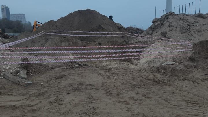 В центре Волгограда выкопали снаряд времен войны