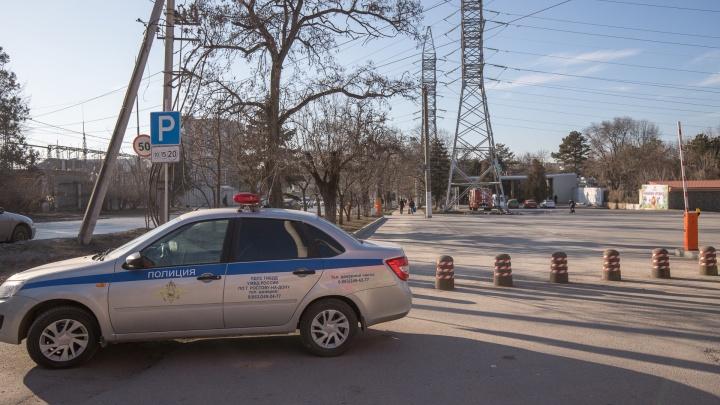 В Ростовской области хулиганка хотела сбежать из полицейской машины, но отправила её в кювет