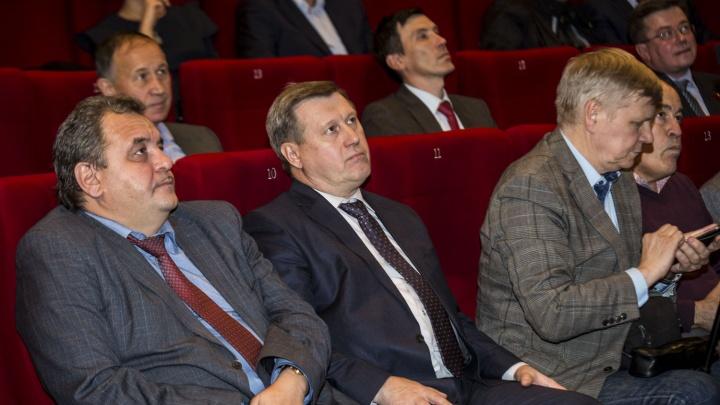 Двести новосибирцев и мэр сходили в кино на фильм о революции