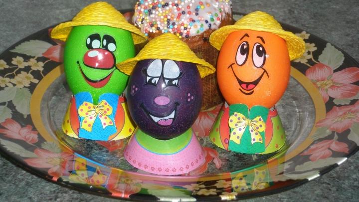 У кого краше: ищем самые креативные пасхальные яйца на кухнях читателей E1.RU