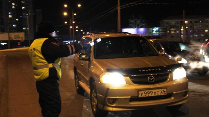 Общественники из Ачинска выследили и задержали на улицах города машину с подростком за рулем