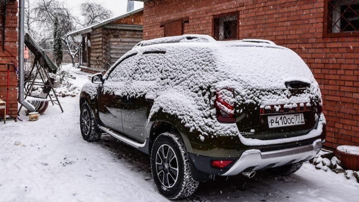 Зачем опытные водители стоят с открытыми окнами зимой