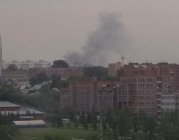 Пожарные выехали на два вызова в Дзержинский район