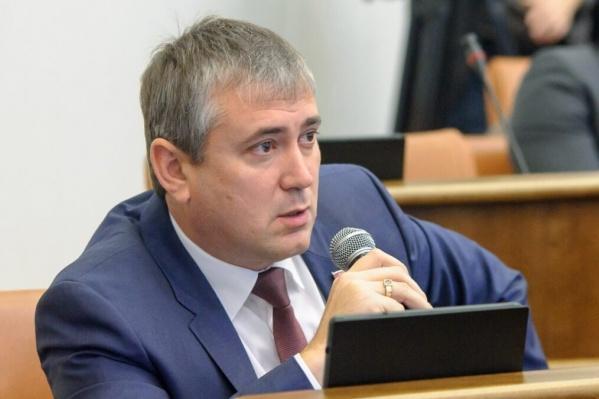 Как депутат Серебряков снимал помещение для встреч с избирателями у своего отца