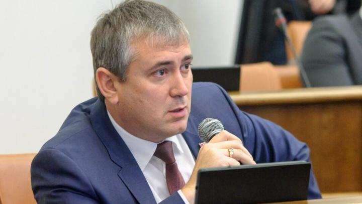 Половина краевых депутатов скрыла свои доходы, но выгнать решили сторонника Быкова. Что решил суд