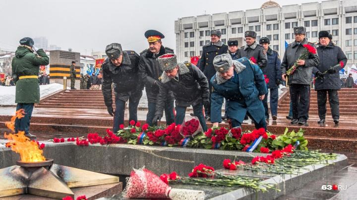 С прыжками парашютистов и солдатской кашей: как в Самаре отпразднуют День защитника Отечества