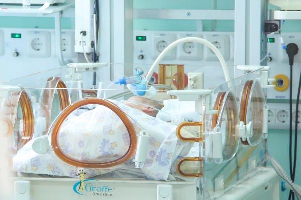 Маму уже выписали, а малыш пробудет в больнице до того момента, как наберёт нужный вес