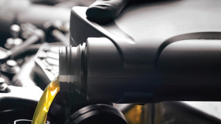 При замене моторного масла в «Феникс-Авто» цены на автомасла снизятся
