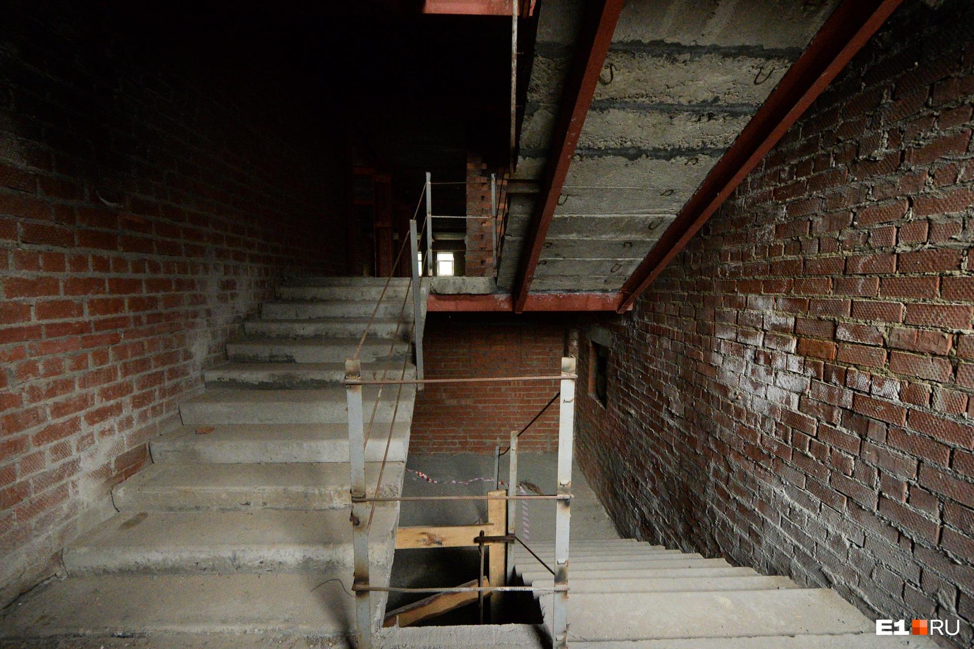 Одна из лестниц