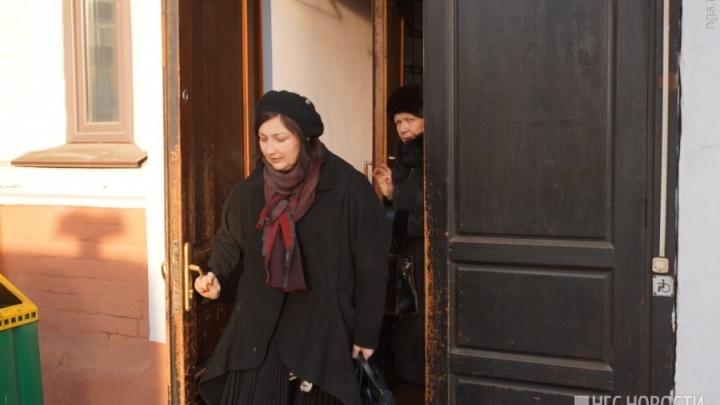 В суде выносят приговор экс-главбуху полиции Красноярска. Ее обвиняют в хищении 130 млн рублей