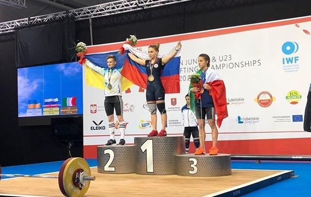«Эмоции зашкаливают»: челябинка взяла золото на юниорском чемпионате Европы по тяжёлой атлетике