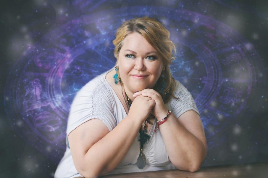 Елена Грушина много лет предсказывает события по звездам и планетам
