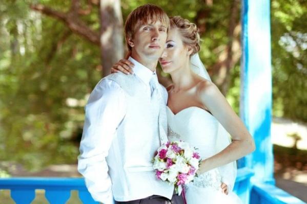 Необычная семейная традиция появилась в семье Елены и Алексея со свадьбы