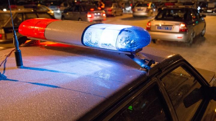 Байкер из Уфы разбил машину с двумя детьми внутри и избил водителя