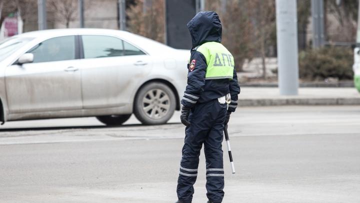 В Ростовской области автомобиль «Мицубиси» врезался в дерево