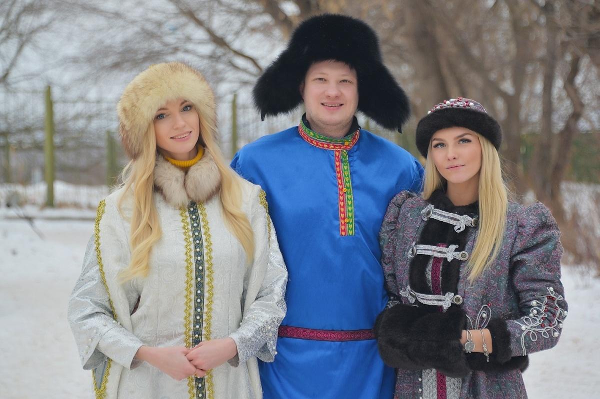 Дмитрий Злобин на съёмках шоу «Любовь по правилам и без». Его избранница справа