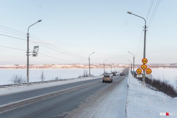 Перед мостом поставят специальные дорожные знаки