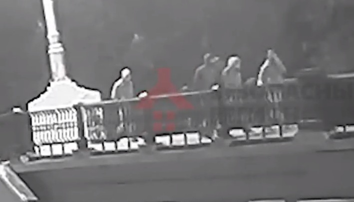 Вандалы, разгромившие центр Ярославля, попали на видео: их маршрут