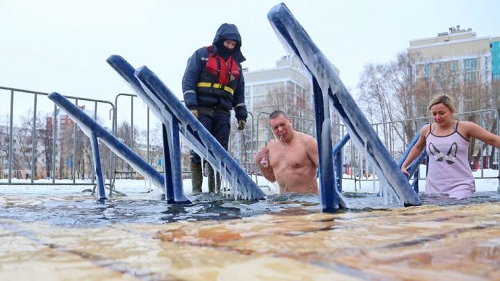 Чай по 30 рублей, холодная раздевалка и утонувшие сходни: тест-драйв по уфимским купелям