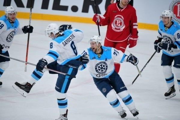 «Сибири» не удалось справиться с прессингом подольских хоккеистов