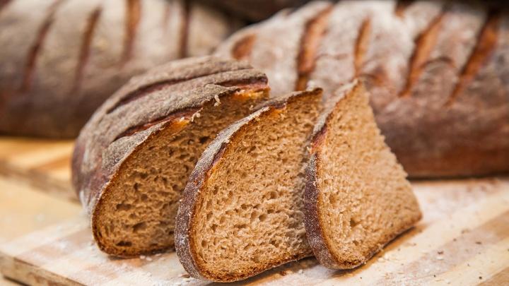 Подсмотрели, как сегодня пекут хлеб и что в него добавляют
