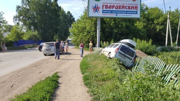 В Уфе «Ларгус» с пассажирами свалился в кювет