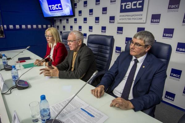Сергей Афанасьев разорвал своё заявление на увольнение с поста руководителя городского драмтеатра