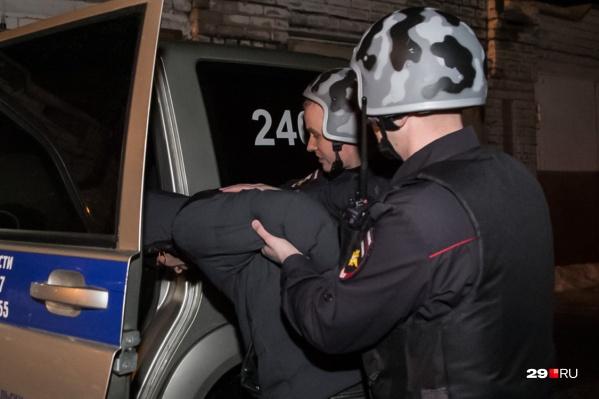 Полиция задержала молодого человека, когда он въезжал в Северодвинск