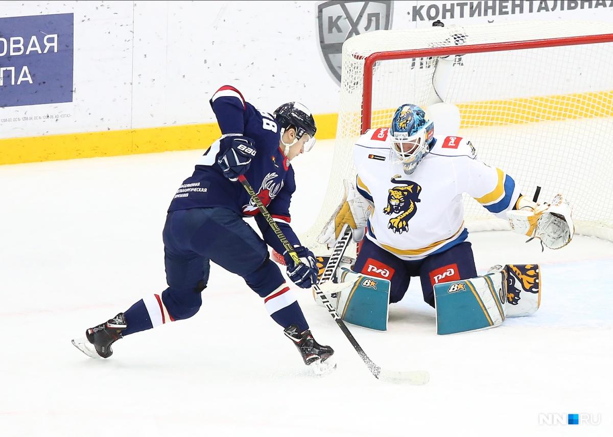 Хоккеисты встретились на льду вечером 29 сентября