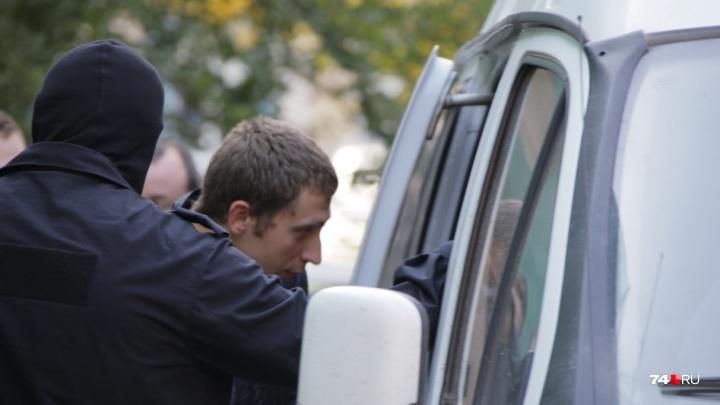 «Допросят в качестве свидетелей и отпустят»: в челябинском штабе Навального завершились обыски