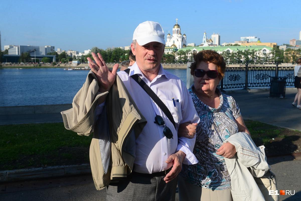 «Ельцин его сделал. Не знаю почему»: что екатеринбуржцам известно о Дне России