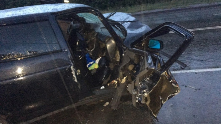 «Столкнулись на встречной»: в аварии на мокрой дороге в Челябинске пострадали шесть человек